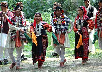 Himachal Pradesh Costumes Attire And Dresses Of Himachal