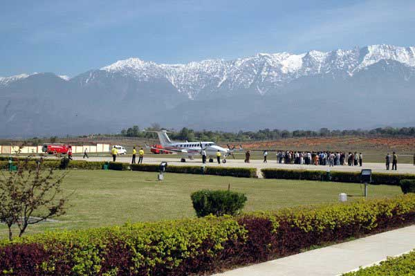 how to travel from delhi to dharamshala